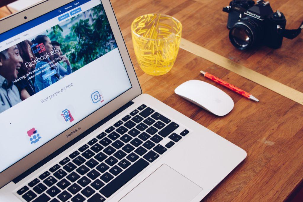 freelance social media facebook ads